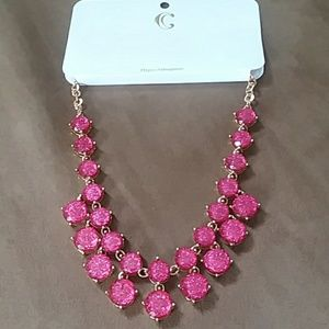 BEAUTIFUL DARK PINK&GOLD CHARMING CHARLIE NECKLACE